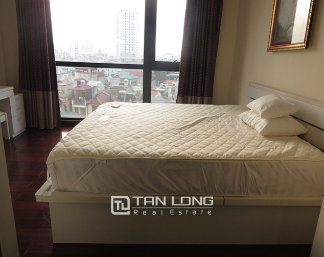 Airy apartment with 2 beds/ 2 baths for rent in R2, Vinhomes Royal City, Thanh Xuan 6