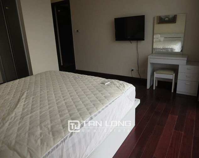 Airy apartment with 2 beds/ 2 baths for rent in R2, Vinhomes Royal City, Thanh Xuan 7