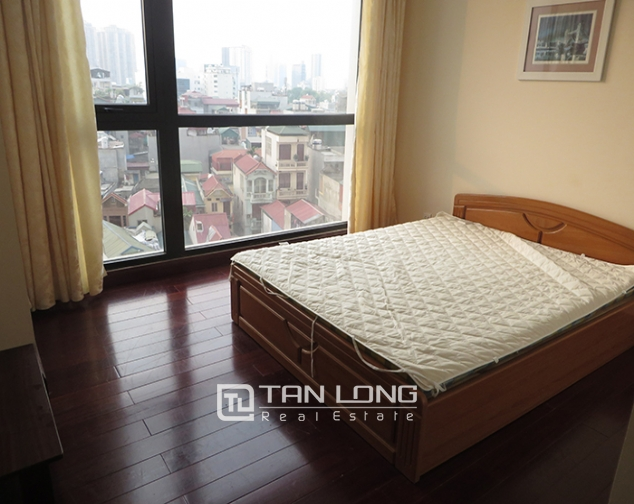 Airy apartment with 2 beds/ 2 baths for rent in R2, Vinhomes Royal City, Thanh Xuan 9