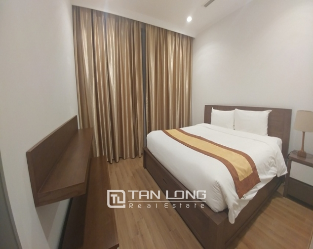 Alluminated and modern three bedroom apartment for rent in Royal City, Nguyen Trai str., Thanh Xuan dist., Hanoi 2