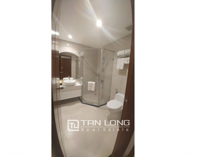 Alluminated and modern three bedroom apartment for rent in Royal City, Nguyen Trai str., Thanh Xuan dist., Hanoi 4