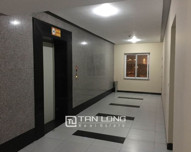 Amazing 3 bedroom apartment in Packexim Tay Ho for rent 2