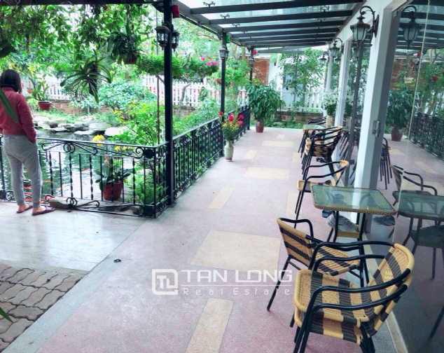An Europe style house which is closed to nature on An Duong street, for rent! 4