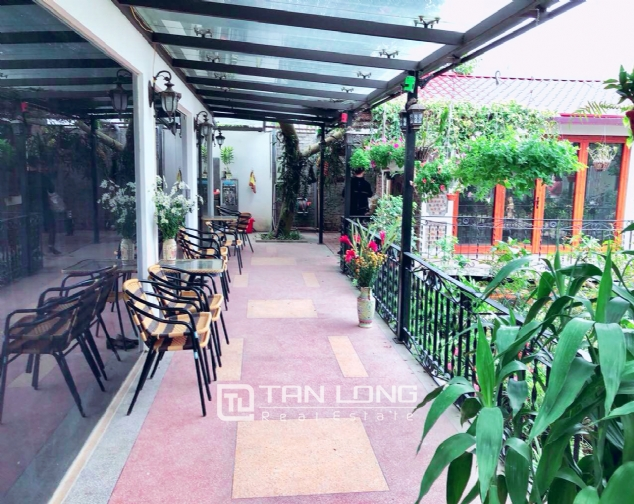 An Europe style house which is closed to nature on An Duong street, for rent! 5