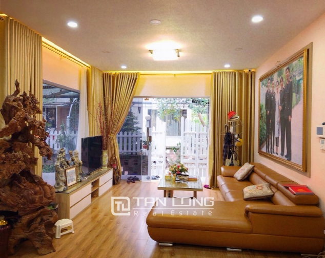 An Europe style house which is closed to nature on An Duong street, for rent! 8