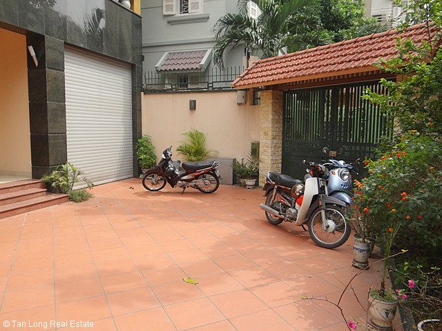 An outstanding 5 bedroom villa for rent in Nguyen Khanh Toan street, Cau Giay. 5