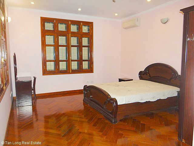 An outstanding 5 bedroom villa for rent in Nguyen Khanh Toan street, Cau Giay. 4