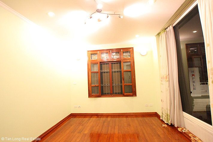 An outstanding 5 bedroom villa for rent in Nguyen Khanh Toan street, Cau Giay. 3