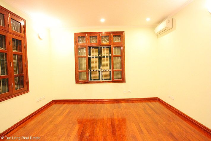 An outstanding 5 bedroom villa for rent in Nguyen Khanh Toan street, Cau Giay. 6