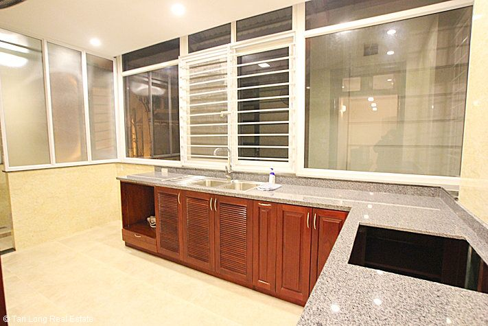 An outstanding 5 bedroom villa for rent in Nguyen Khanh Toan street, Cau Giay. 2