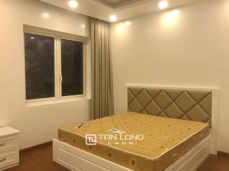 ANH DAO VILLAS FOR RENT IN VINHOMES RIVERSIDE 8