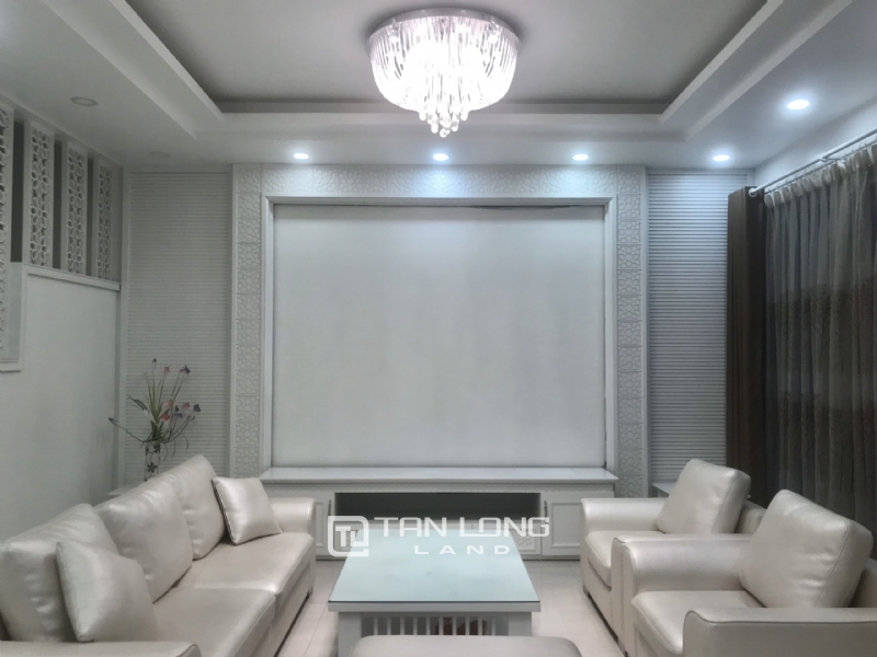 ANH DAO VILLAS FOR RENT IN VINHOMES RIVERSIDE 9
