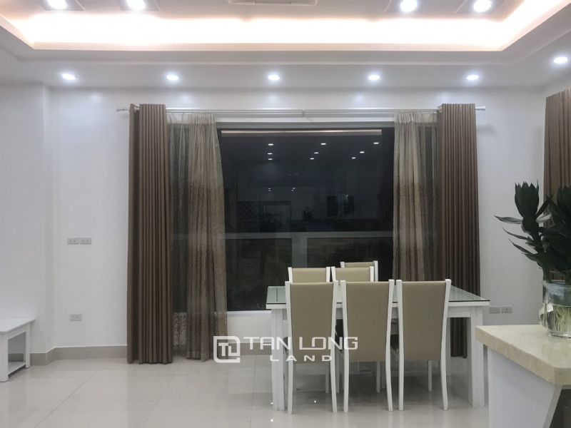 ANH DAO VILLAS FOR RENT IN VINHOMES RIVERSIDE 11
