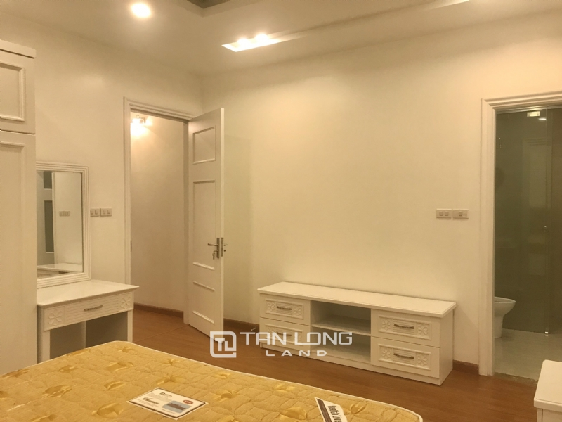 ANH DAO VILLAS FOR RENT IN VINHOMES RIVERSIDE 15
