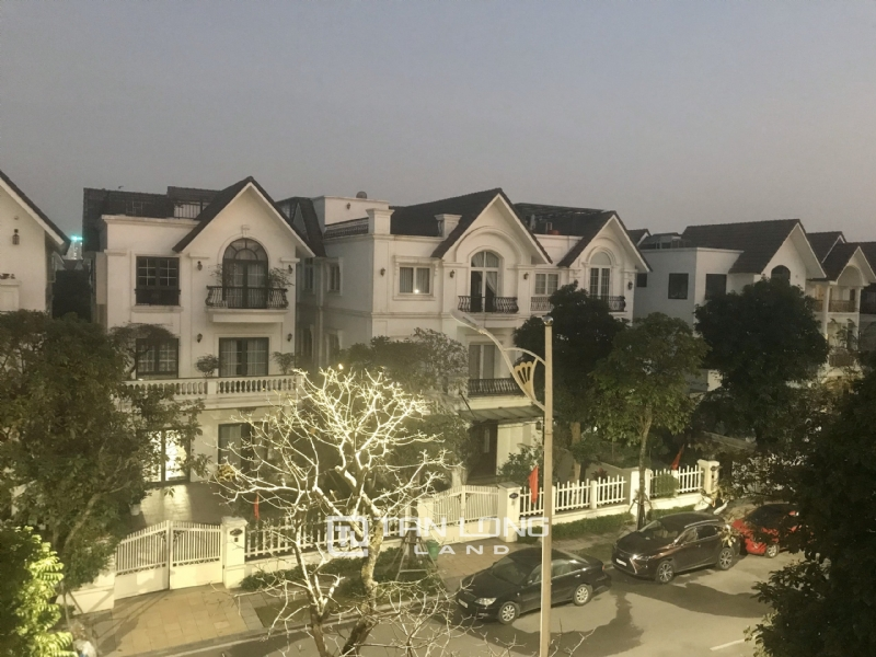 ANH DAO VILLAS FOR RENT IN VINHOMES RIVERSIDE 16
