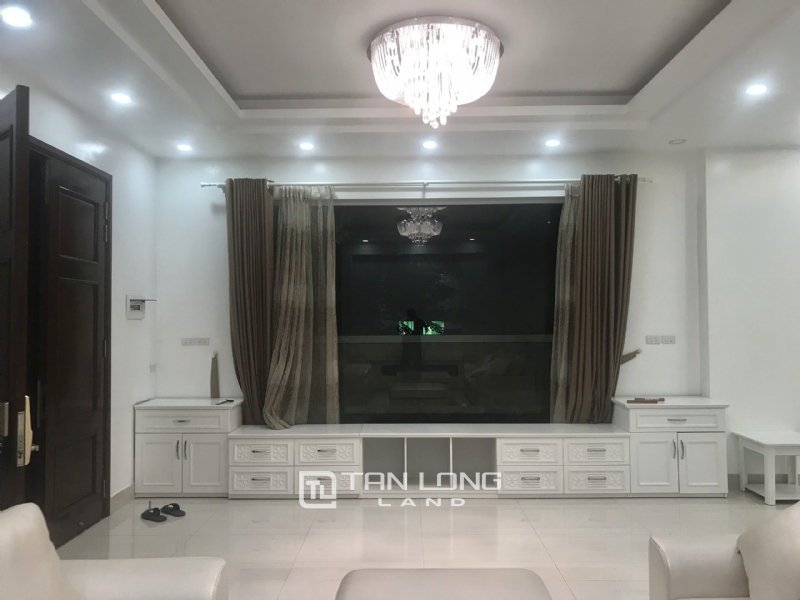 ANH DAO VILLAS FOR RENT IN VINHOMES RIVERSIDE 2