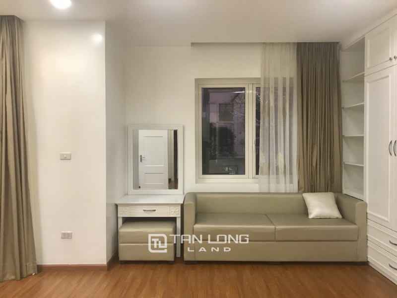 ANH DAO VILLAS FOR RENT IN VINHOMES RIVERSIDE 4