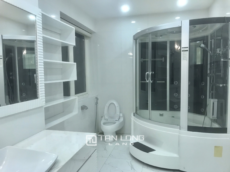 ANH DAO VILLAS FOR RENT IN VINHOMES RIVERSIDE 5