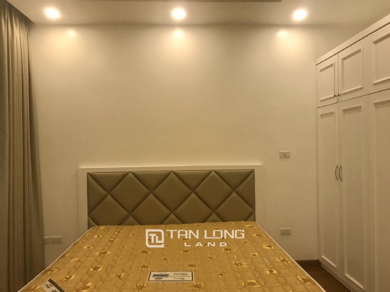 ANH DAO VILLAS FOR RENT IN VINHOMES RIVERSIDE 7