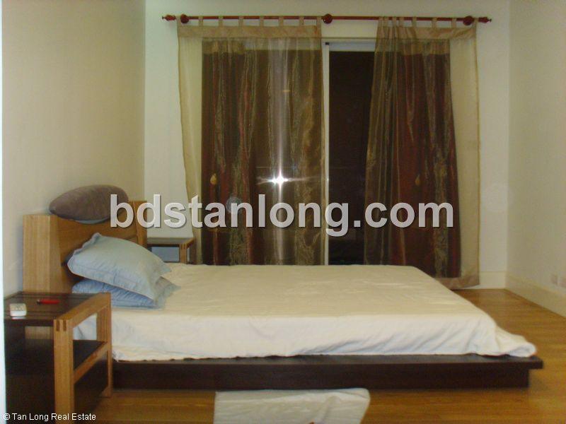 Apartment for rent in Golden West lake, Tay Ho district, Ha Noi 1