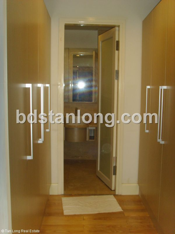 Apartment for rent in Golden West lake, Tay Ho district, Ha Noi 2