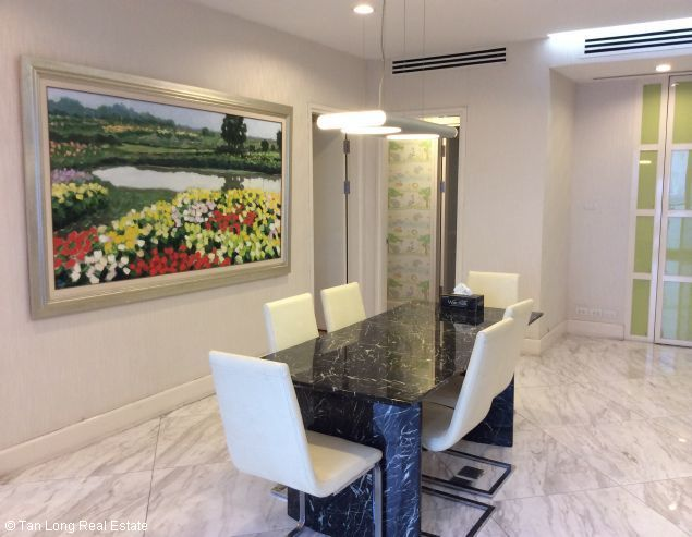 Apartment for rent in Golden Westlake, Thuy Khue, Tay Ho district, Hanoi. 1