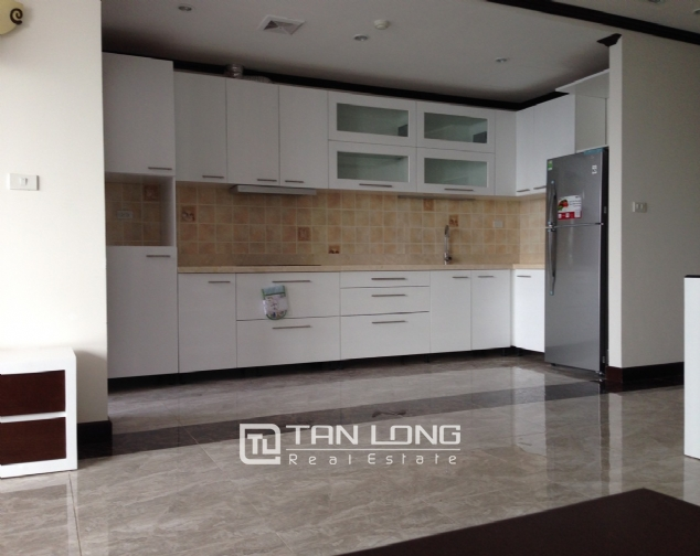Apartment for rent in Platinum Residences on Nguyen Cong Hoan street, Ba Dinh district! 4