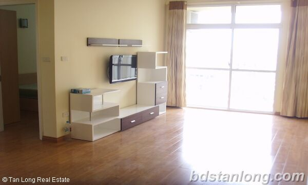 Apartment in Lac Long Quan, Tay Ho for rent 2