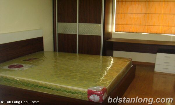 Apartment in Lac Long Quan, Tay Ho for rent 6