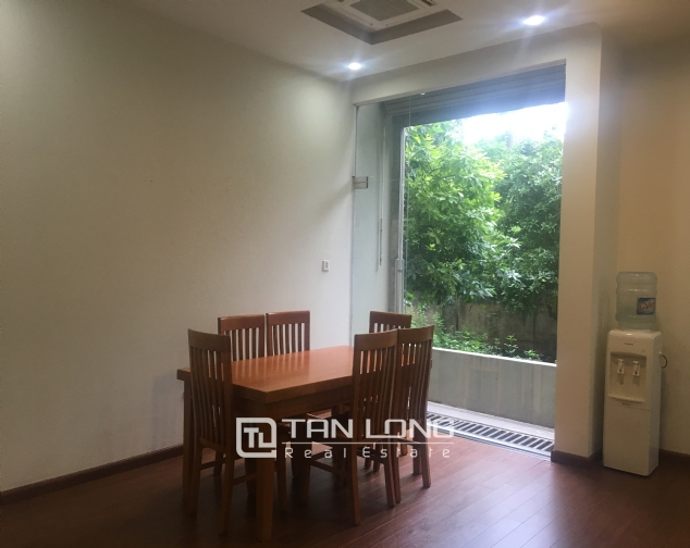 Apartment suitable for single peoplein in Dang Thai Mai street, Tay Ho district, Hanoi for rent 3