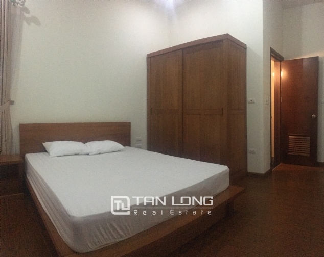 Apartment suitable for single peoplein in Dang Thai Mai street, Tay Ho district, Hanoi for rent 4