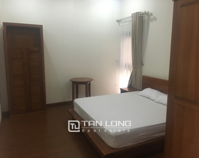 Apartment suitable for single peoplein in Dang Thai Mai street, Tay Ho district, Hanoi for rent 5