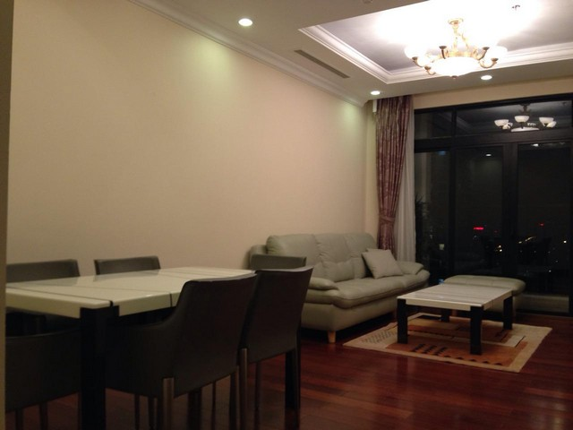 Attractive apartment to rent with 2 beds/ 2 baths in R2 Royal City Hanoi