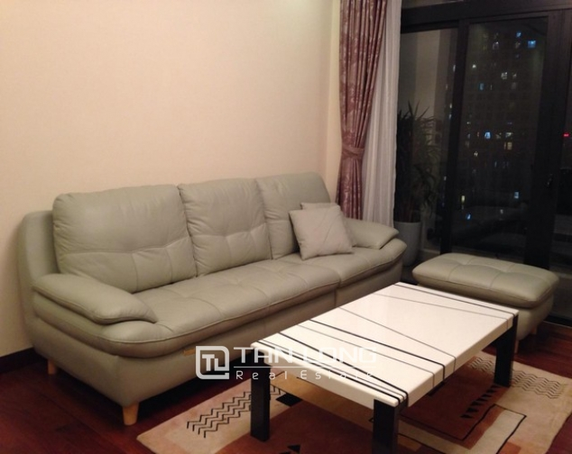 Attractive apartment to rent with 2 beds/ 2 baths in R2 Royal City Hanoi 2