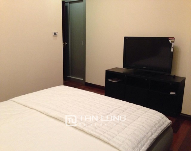 Attractive apartment to rent with 2 beds/ 2 baths in R2 Royal City Hanoi 4