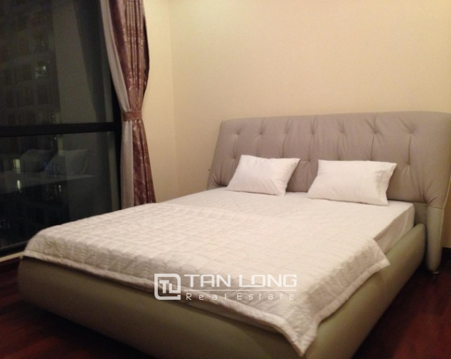 Attractive apartment to rent with 2 beds/ 2 baths in R2 Royal City Hanoi 6