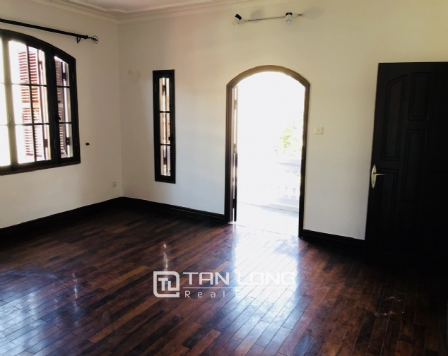 Awsome house with big swimming pool for rent in To Ngoc Van street! 9