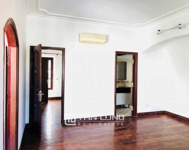 Awsome house with big swimming pool for rent in To Ngoc Van street! 10