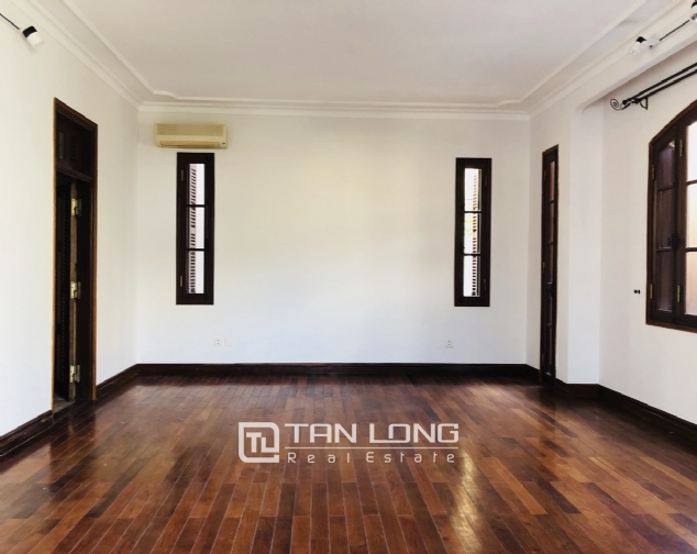 Awsome house with big swimming pool for rent in To Ngoc Van street! 3