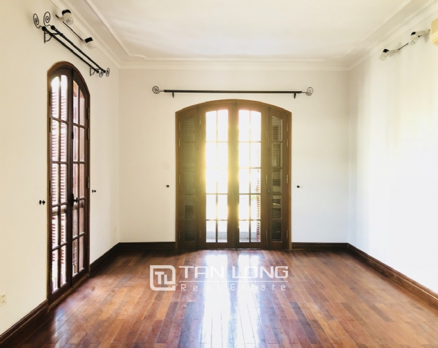 Awsome house with big swimming pool for rent in To Ngoc Van street! 5