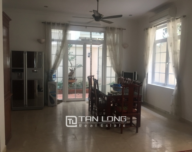 Awsome Villa T5 for Rent, Big Courtyard and Full Furniture in Ciputra, Tay Ho, Hanoi 4