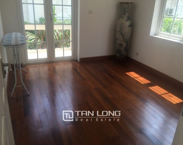 Awsome Villa T5 for Rent, Big Courtyard and Full Furniture in Ciputra, Tay Ho, Hanoi 10