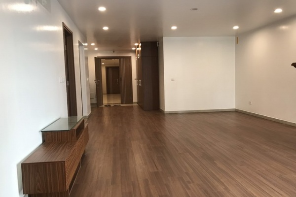 Basic furnished 3 bedroom apartment for rent in L3 tower The Link Ciputra