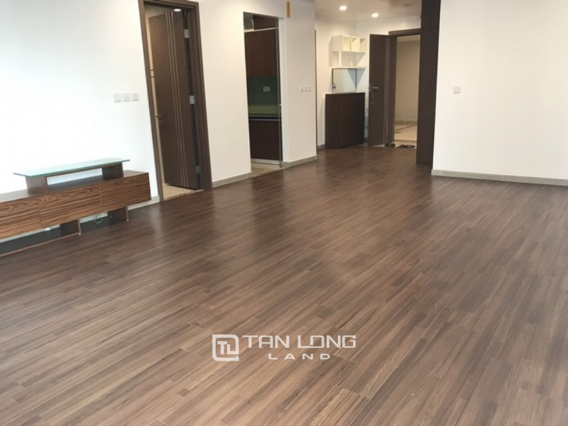 Basic furnished 3 bedroom apartment for rent in L3 tower The Link Ciputra 1