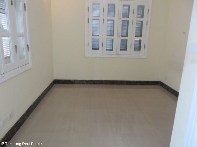 Basically equipped 4 bedroom villa for rent in T7 Ciputra, Tay Ho dist, Hanoi 6