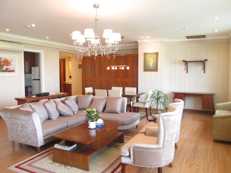 Beautiful 3 bedroom apartment for sale in E4 Ciputra, Tay Ho, Hanoi
