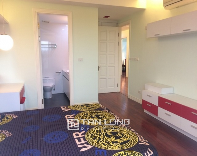 Beautiful 4 bedroom apartment for rent in E4, Ciputra 6