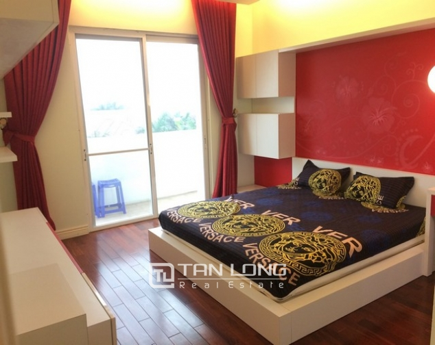 Beautiful 4 bedroom apartment for rent in E4, Ciputra 7