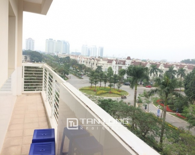 Beautiful 4 bedroom apartment for rent in E4, Ciputra 2