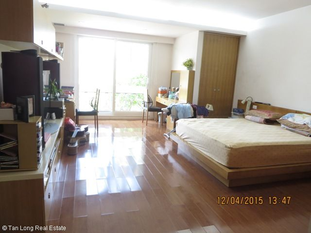 Beautiful 4 bedroom villa for rent in D3 Ciputra, fully furnished and bright 10